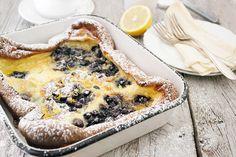 PANNUKAKKU FINNISH PANCAKE WITH WILD BLUEBERRIES http://www.seasonsandsuppers.ca/pannukakku-finnish-pancake-with-wild-blueberries/