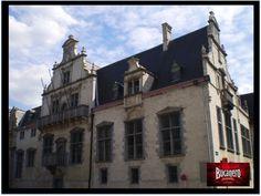 CERVEZA BUCANERO. La nueva cerveza Affilgem es una bebida artesanal hecha en una abadía de monjes en Bélgica, la característica de está, es que lleva una segunda fermentación, que se desarrolla dentro de la botella. www.cervezasdecuba.com