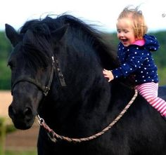 ....that first pony ride ♥♥