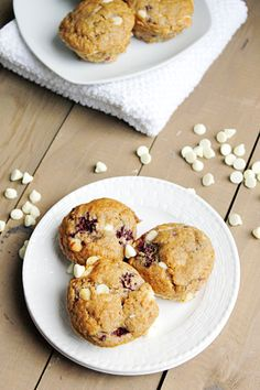 Blackberry White Chocolate Muffins | Fabtastic Eats