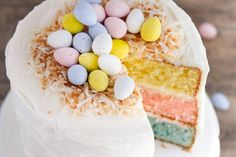 Recipes - I Heart Naptime Easter Egg Layered Cake - A colorful vanilla cake topped with whipped buttercream and decorated with toasted coconut and mini Cadbury eggs. The perfect showstopper for your Easter celebration! Holiday Treats, Holiday Recipes, Halloween Treats, Whipped Buttercream, Cake Recipes, Dessert Recipes, Fun Desserts, Desserts Ostern, Easter Brunch