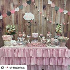 #Repost @umdiadefesta (@get_repost) ・・・ Chuva de amor! . . . Por @ruthgotz - . #babyshower #chadebebe #festanuvem #nuvens #decoraçao #mesalinda ##festainfantil #mamaesfesteirasrs #muitoamorenvolvido #coisasdatuti #muitadelicadeza #chuvadeamor #temachuvadeamor #festachuvadeamor #bolochuvadeamor #chadebebemenina #chadefraldas #decorchuvadeamor