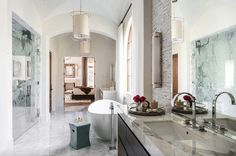 Mediterranean Style Home-Marie Flanigan Interiors-15-1 Kindesign