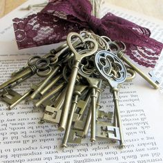 Skeleton key favors (24) skeleton key wedding favors, gift tie ons, christmas tree decorations, rustic wedding favors on Etsy, $25.00
