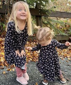 Cute Kids Fashion, Cute Outfits For Kids, Little Girl Fashion, Toddler Fashion, Rompers For Kids, Girls Rompers, Cute Floral Dresses, Baby Girl Dresses, Toddler Dress