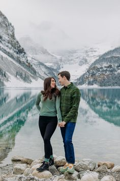 Thinking about visiting Lake Louise in October? See more of this amazing magical snowy Lake Louise engagement session to convince yourself that late fall is the best time to visit the Canadian Rockies! Mountain engagement photo inspiration. Lake Louise engagement photographer. Best places for mountain engagement photos. Where to do engagement photos in Banff National Park. Rocky Mountain elopement photographer. Lake Louise wedding photographer. Mountain Engagement Photos, Mountain Elopement, Winter Engagement, Engagement Pictures, Engagement Shoots, Engagement Photography, Lake Louise Winter, Emerald Lake, Local Photographers