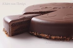 The Sacher cake♥ This chocolate cake is said to be invented in Vienna by the chef Franz Sacher in 1832 Cookbook Recipes, Dessert Recipes, Cooking Recipes, Death By Chocolate, Chocolate Cake, Sweet Desserts, Just Desserts, Austrian Recipes, Home Bakery
