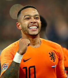 Liverpool have confirmed a pre-season friendly with Lyon next month indicating the much rumored transfer of Memphis Depay could be imminent. Depay Memphis, Black King, Football Players, Liverpool, Mexico, Baby Boys, Switzerland, Sports, Portugal