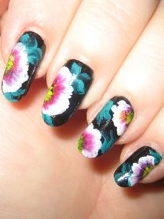 Lovely Floral Nail  Art Painting Ideas