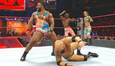 'WWE Monday Night Raw' Results: Bayley & The New Day Defeat The Club &…