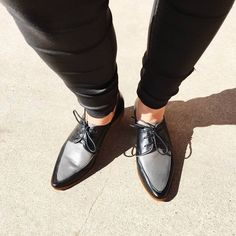 STAFF STYLE ~ Who else loves Ellen's new Lunars? This style is called 'BERGEN' and they are very comfortable!✔️✔️#EvansShoes #LunarShoes