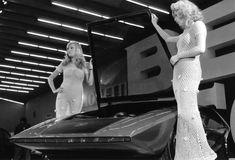 The Stratos Zero, the real dream car - Italian Ways Pin Up Car, Racing Events, Retro Futurism, Car Girls, Automotive Design, Girl Poses, Car Car, Concept Cars, Recreational Vehicles