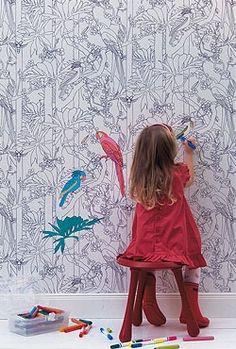 So können die Kleinen richtig kreativ werden: Kinderzimmer-Tapete zum selbst bemalen!