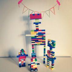 Gabulle in Wonderland @gabulleinwonderland Instagram photos : construction en légo (lego robots)