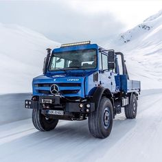 Mercedes Benz Unimog, Mercedes Truck, Daimler Ag, Heavy Machinery, Snow Plow, Heavy Truck, Expedition Vehicle, Busse, Pickup Trucks