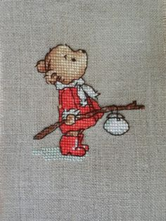 Teddy, small, simple and a delightful design. Cross Stitch Fairy, Small Cross Stitch, Cute Cross Stitch, Cross Stitch Animals, Cross Stitch Designs, Cross Stitch Patterns, Cross Stitch Christmas Cards, Theme Noel, Christmas Embroidery