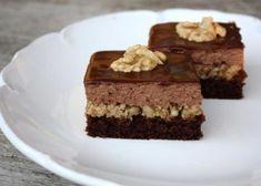 Čokoládovo-orechové rezy bez múky Czech Recipes, Sweet Desserts, Cheesecakes, Deserts, Goodies, Food And Drink, Low Carb, Gluten Free, Favorite Recipes