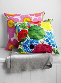Koti, Throw Pillows, Bed, Toss Pillows, Cushions, Stream Bed, Decorative Pillows, Beds, Decor Pillows