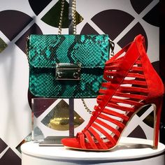 Looking for the inspiration for today? Super stylish cage sandals in red suede from SpazioModa Emerald green python leather clutch bag from @ninetyjoyeria Have a glamorous Wednesday Dear ShoeLovers! 💖💖  #CherryHeel #Luxury #shoe #boutique #summer #shoes #red #sandals #strapsandals #glamorous #pythonleather #clutch #bags #sexy #style #fashion #MadeinItaly #girl #dolcevita #design #barcelonagram #eixample #shopping #shoestagram #love #барселона #шоппинг