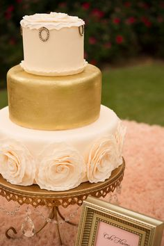 Beautiful gold and blush vintage cake design by Madison's on Main in tabletop design by The Wedding Belle. Photo by Beautiful Day Images. Gorgeous Cakes, Pretty Cakes, Amazing Cakes, Take The Cake, Love Cake, Just Cakes, Fancy Cakes, Creative Cakes, Celebration Cakes