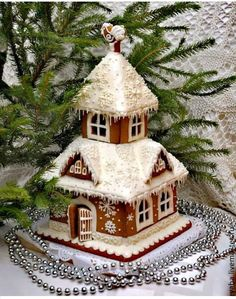 Trendy Ideas For Cookies Christmas House Ginger Bread Gingerbread House Designs, Gingerbread Village, Gingerbread Decorations, Christmas Gingerbread House, Christmas Sweets, Christmas Baking, Gingerbread Cookies, Christmas Time, Christmas Decorations