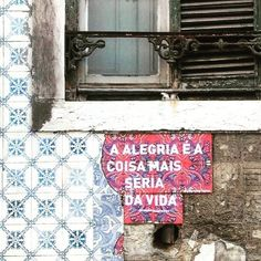 Para Mayara Art Intervention, Tile Art, Urban Art, Wise Words, Motivational Quotes, Street Art, Poetry, Thoughts, Writing