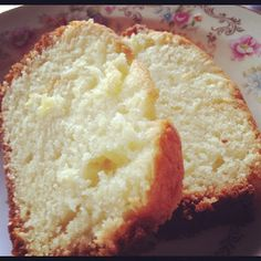 gabby, she wrote: french yogurt cake (but w/ pineapple Greek yogurt) Low Fat Desserts, Just Desserts, Delicious Desserts, Yummy Food, Baking Recipes, Cake Recipes, Dessert Recipes, French Yogurt Cake, Yummy Eats