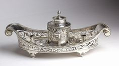 A beautiful solid 950% silver boat inkwell - circa 1870 Paris, import London 1906, Edward Henry Dreyfous