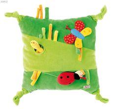 Good for kids room Cute Pillows, Kids Pillows, Diy Gifts For Kids, Diy For Kids, Felt Pillow, Mermaid Pillow, Patchwork Pillow, Kids Corner, Cute Diys
