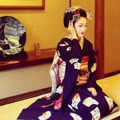 The beautiful maiko,Tomitae.