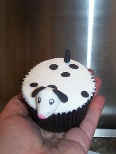101 dalmatians birthday party - how cute!