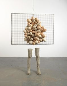 The Whitechapel Gallery presents the first major solo exhibition in London of renowned artist Sarah Lucas : Situation - Absolute Beach Man Rubble. Contemporary Sculpture, Contemporary Art, Abstract Sculpture, Sculpture Art, Lucas Y Sara, Women Artist, Feminist Art, Conceptual Art, Oeuvre D'art