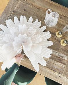 40 Adorable DIY Christmas Craft Ideas Simple and stunning christmas DIY decorations that you can make ceppo christmas Christmas Makes, Christmas Wishes, Christmas Art, All Things Christmas, Christmas Shirts, Xmas, Paper Plants, Christmas Craft Projects, Beautiful Christmas Decorations