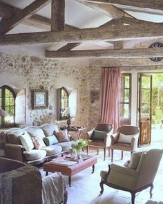 Can you find a more refined style than Provence? Today I'd like to inspire you with Provence-styled living rooms, and be ready to swoon! Provence style is French Country Living Room, French Country Style, French Country Decorating, Country Chic, Country Patio, French Country Exterior, French Style Homes, Cottage Decorating, Country Interior