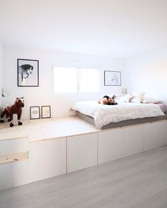 Dream Bedroom, Kids Bedroom, Bedroom Decor, Small Bedroom Hacks, Ikea Kids Room, Living Room Bench, Ikea Storage, Cool Rooms, Daybed