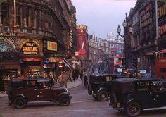 Streets of London in 1949 pic.twitter.com/AssAUJjMFj
