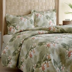 "100 % cotton. Fully reversible. Includes 2 standard pillow shams. Measures 90"" x 90"". Also in twin size and king size."