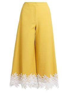 Shop for Macramé lace-trimmed twill culottes by Sara Battaglia at ShopStyle. Salwar Designs, Kurti Neck Designs, Dress Neck Designs, Kurti Designs Party Wear, Designs For Dresses, Blouse Designs, Look Fashion, Fashion Pants, Fashion Dresses