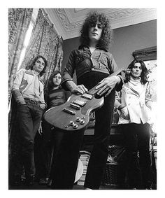 Marc Bolan & T. Rex Pictures and Photos Marc Bolan, David Bowie, Electric Warrior, Rhythm And Blues, Glam Rock, T Rex, Stock Pictures, Rock N Roll, Concert