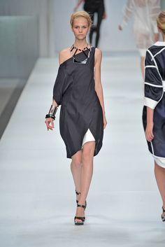 Céline Spring 2009 Ready-to-Wear Fashion Show - Angelina Zakirova (MARILYN)
