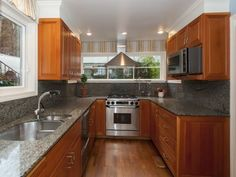 Portland Heights Area Residential: Chef'S Remodeled Kitchen With Granite and Stainless Appliances