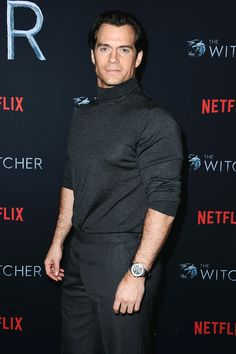 """Henry Cavill attends the photocall for Netflix's """"The Witcher"""" Season 1 at the Egyptian Theatre on December 2019 in Hollywood, California. Superman Cavill, Henry Superman, Henry Cavill, Charles Brandon, Napoleon Solo, Love Henry, Henry Williams, Alexander Skarsgard, Clark Kent"""