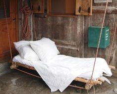 How to make a swing bed from recycled materials - the ultimate chill space http://www.permaculture.co.uk/readers-solutions/how-make-swing-bed-recycled-materials