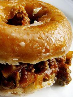 Sloppy Joe on a Krispy Kreme Savory Donuts Recipe, Homemade Donuts, Doughnut Burger, Doughnut Shop, Krispy Kreme Burger, Grilled Cheese Donut, Kitchen Recipes, Cooking Recipes, Concession Food