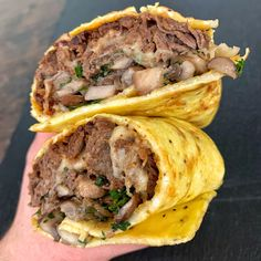 Keto Steak & Egg Burrito Steak and eggs make up a great breakfast idea for non-veg lovers. Aside from being an ideal low-carb meal, keto steak & egg burrito Balanced Breakfast, Low Carb Breakfast, Breakfast Recipes, Breakfast Steak And Eggs, Breakfast Skillet, Steak And Egg Burrito Recipe, Steak And Eggs Diet, Burrito Recipes, Meat Recipes
