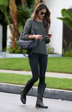 Alessandra Ambrosio Photo - Alessandra Ambrosio Out And About In Beverly Hills