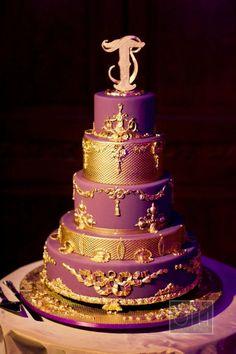 12 best Purple Wedding Cakes1 images on Pinterest | Pie wedding cake ...