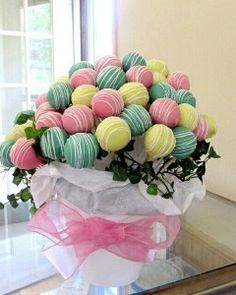 8 Adorable Cake Pops- cute bouquet :)