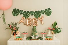 maybe lose the moana, but the i like th color scheme. Moana Birthday Outfit, Moana Birthday Party Theme, Moana Themed Party, Luau Birthday, Luau Party, Birthday Parties, Third Birthday, Moana Birthday Decorations, Pig Birthday Cakes