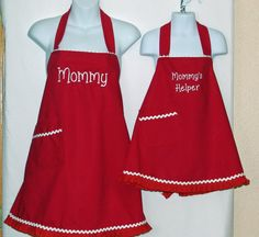 Matching Aprons Mommy and  Little Girl Custom by AGiftToTreasure